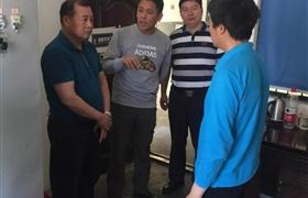 浦东行业主管领导看望受伤队员